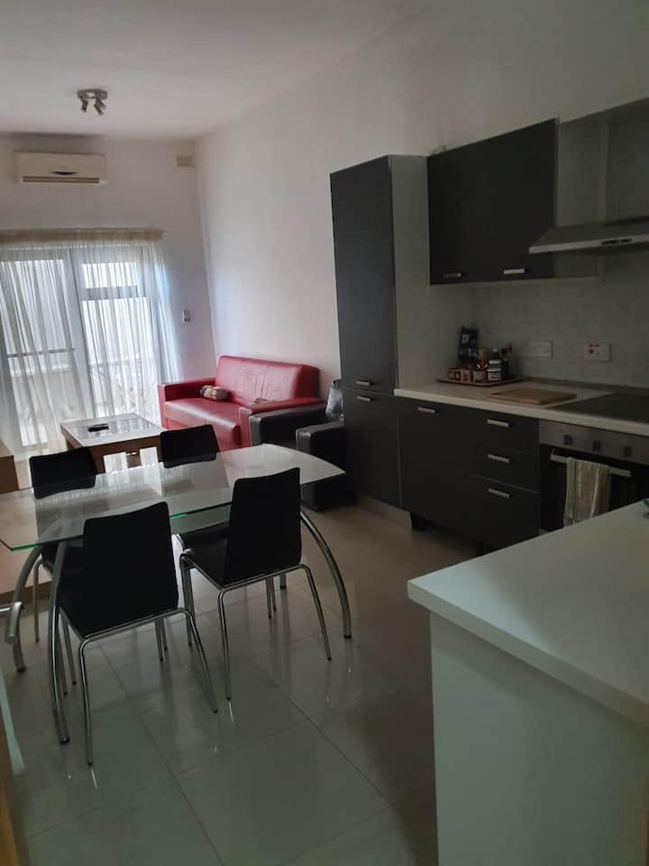 Gzira, Cute 1 double bedroom apartment