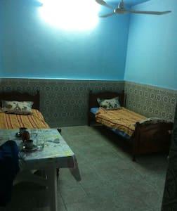 studio meublé prés zone touristique Mahdia - Mahdia - Apartament