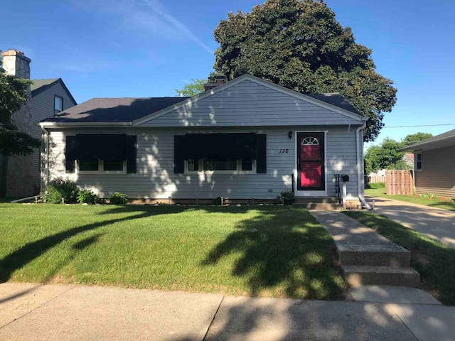 Cozy Ranch Centrally Located Near Medical Complex