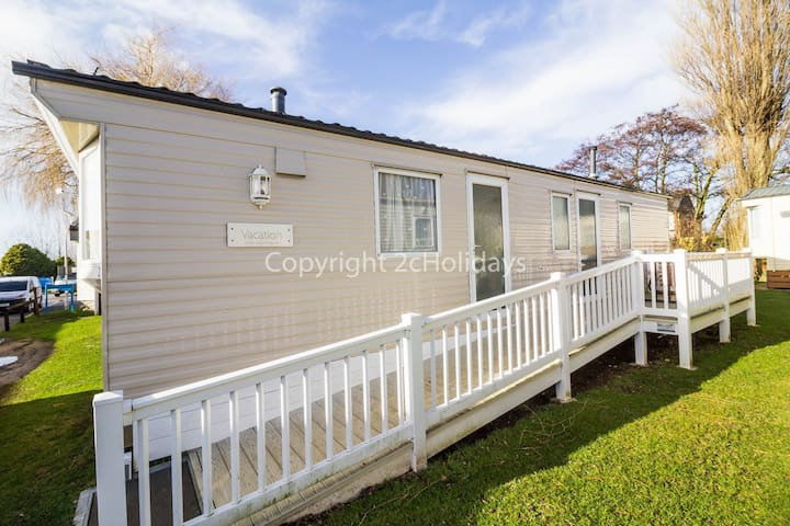 2 Bed, 6 Berth, 23003 Anmer area.