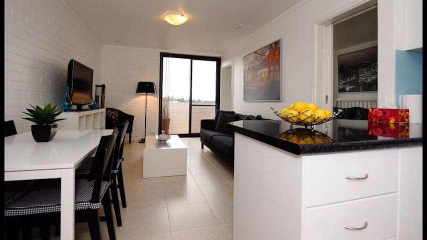 Cheap Perth Self Contained Apartment near Beaches - Mosman Park - อพาร์ทเมนท์