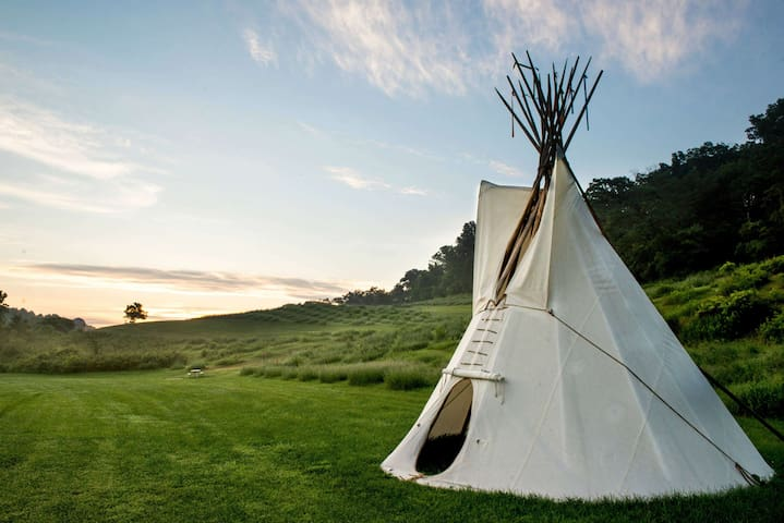 Authentic TiPi - Justin Trails Resort