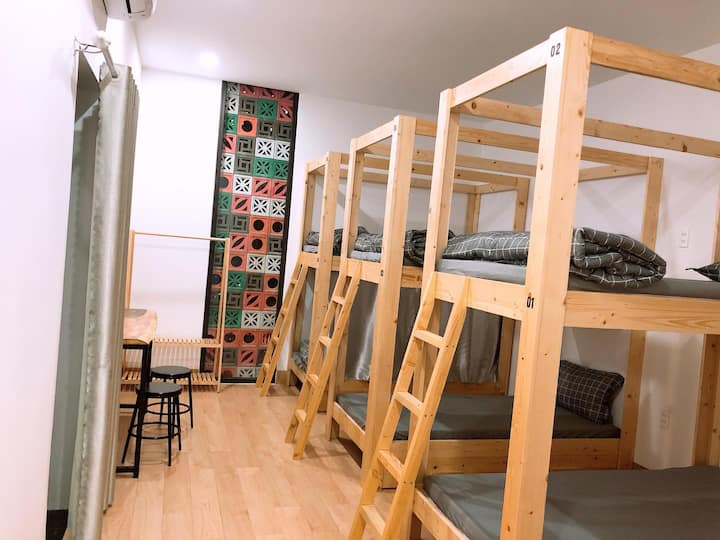 ★ Super New ★ 1 bed in 6-beds Dorm - Dear Hostel