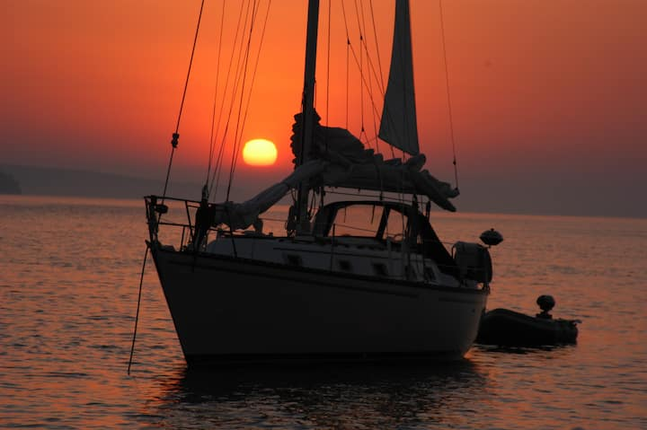 Sailing Vacation with a Captain in Apostle Islands