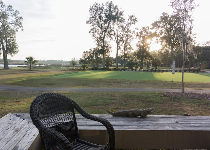 Marsh-view Dataw Villa with wifi