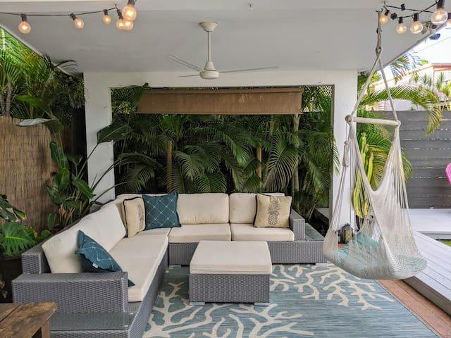 Casa Marbella Guest Room - Beachfront Jungle Oasis