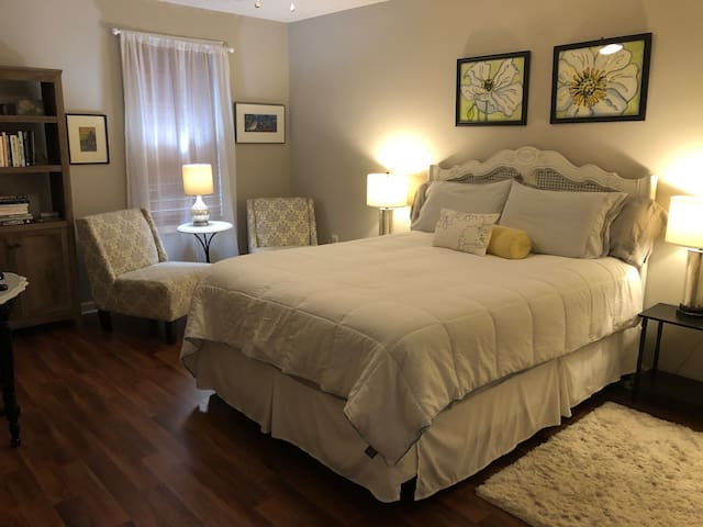 Three-room suite with private entrance