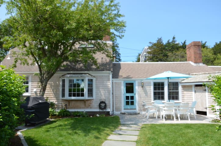 NEW! Old Chatham Village! Walk to Beach & Town!