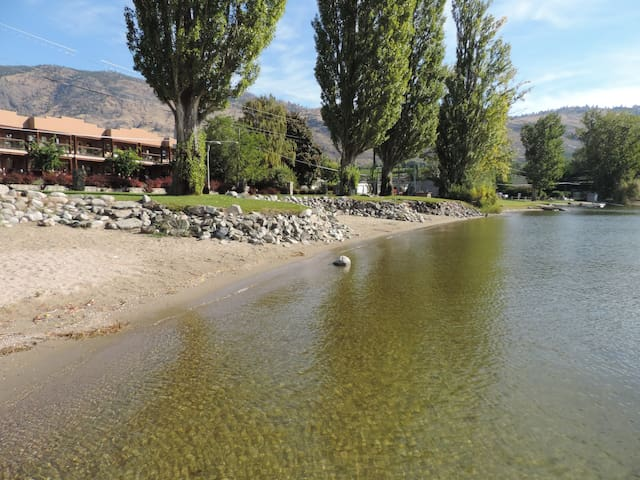 Lakefront large 3 bdrm townhome with boat dock - Osoyoos - 公寓