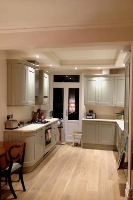Brand new fitted kitchen with integrated Neff appliances & belfast sink