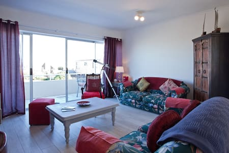 Cape Town sea facing 2bed apartment - Cape Town