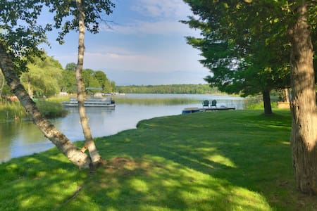 Chalet LA (Lake Ann Cottage) - near Traverse City