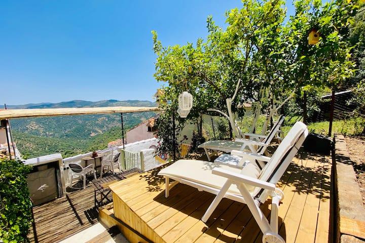 """""""La Parra"""", turismo rural. Tu hogar en el paraíso."""