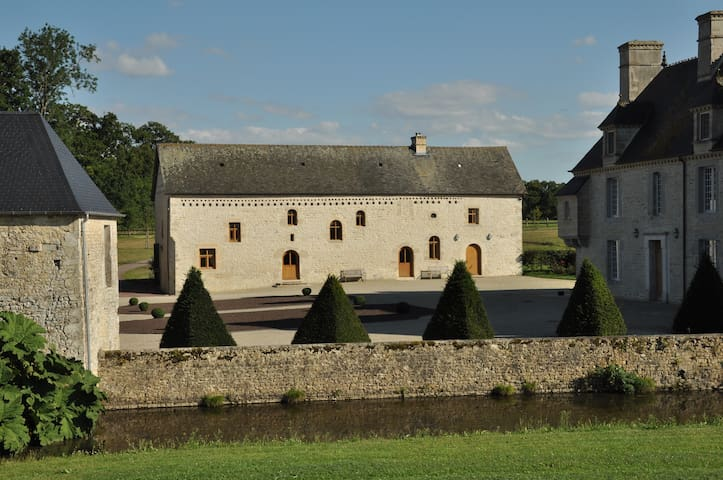 Lux Manor barn in a 280 hectares property ***** - Blay - Pension