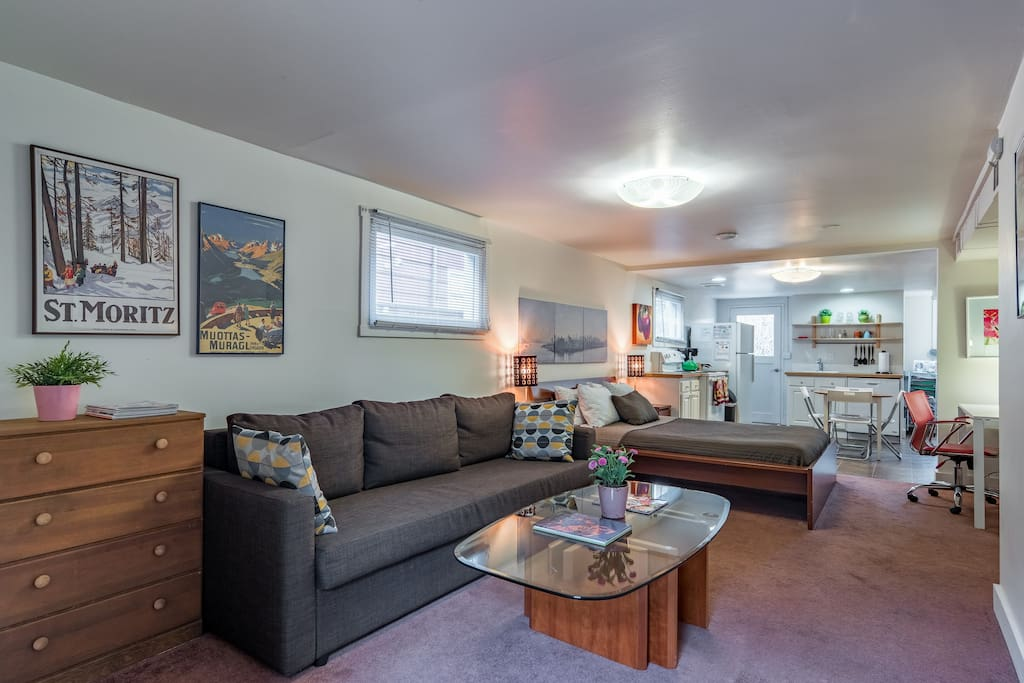 Kristin April 2018 Carol had a beautiful space that works served as a great accommodation for a weekend getaway. She offered great suggestions for entertainment and food options around the neighborhood. I would highly recommend staying here.