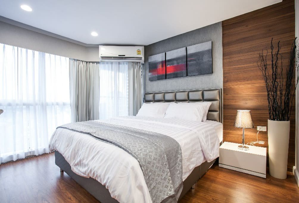 Master bedroom with amazing view of Bangkok