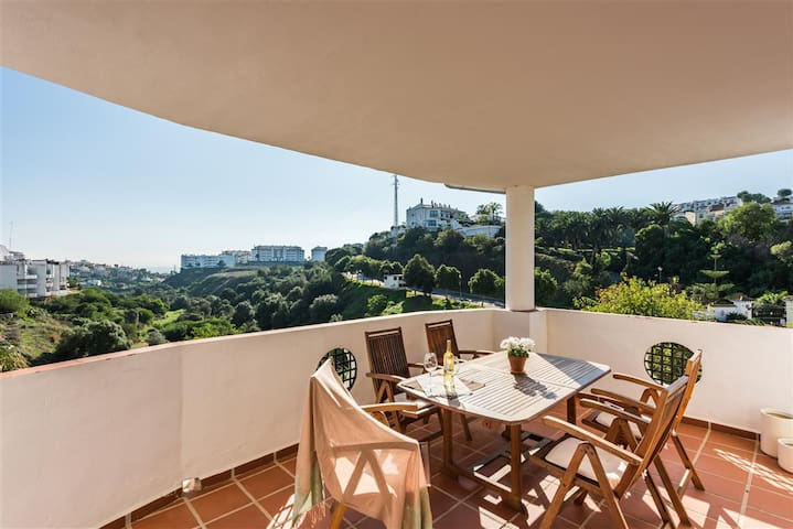 Elegant and quiet apartment with panoramic views - Mijas - Lejlighed