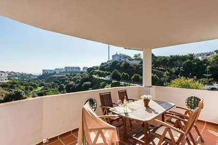 Elegant and quiet apartment with panoramic views - Mijas