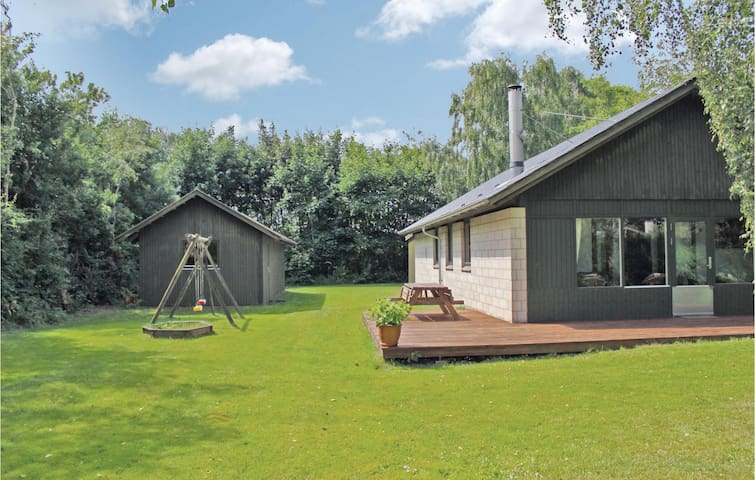 Holiday cottage with 3 bedrooms on 120m² in Nykøbing M