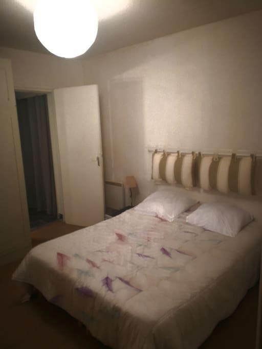 Chambre  avec sommier électrique