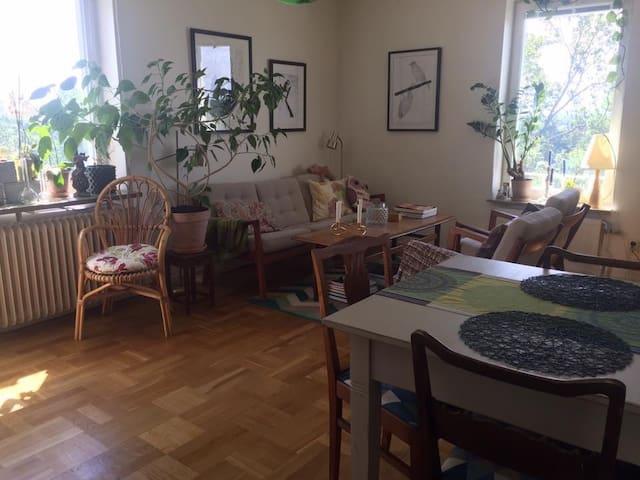 Mysig lägenhet för 3 personer - Södra Stockholm