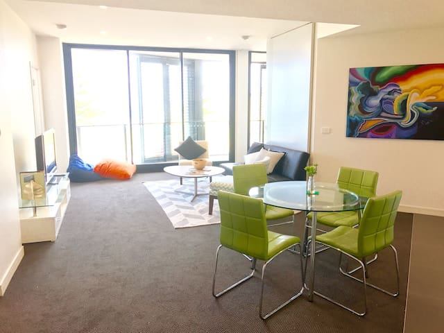 Stylish New Beach Front Apartment - Newcastle - Apartemen