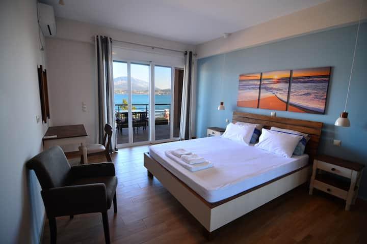 Loggos view one bedroom suite