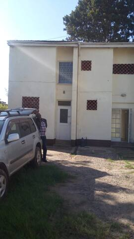 Spacious Self Contained 4 Bedroom Maisonette 2 Let