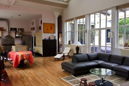 Magnifique loft lumineux avec patio - Bois-Colombes - 阁楼