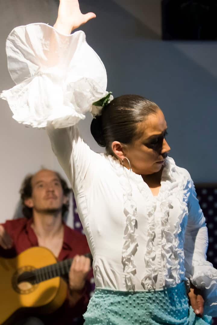 You won't find flamenco SO CLOSE to you.