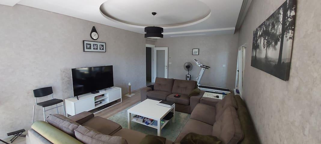 Nice apartment (garden/wifi/near tram & comfort)