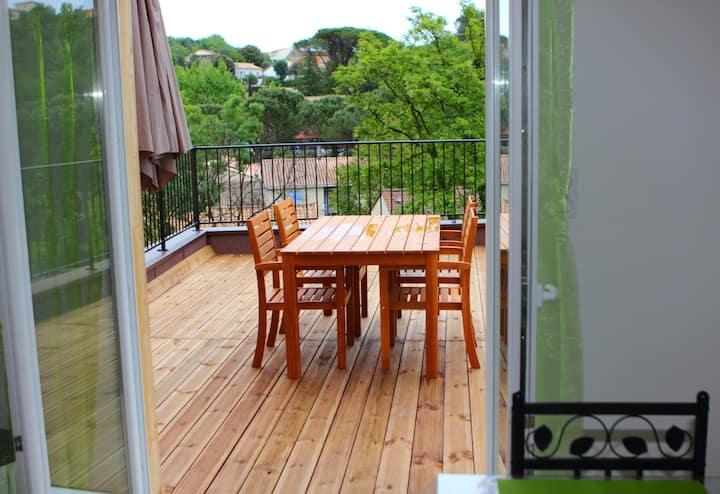 trés beau T2 moderne et spacieux avec terrasse