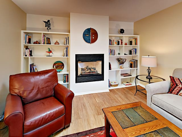 A gas fireplace adds warm ambience in the living room. Peruse a library rich with books on New Mexico's cuisine, art, and history.