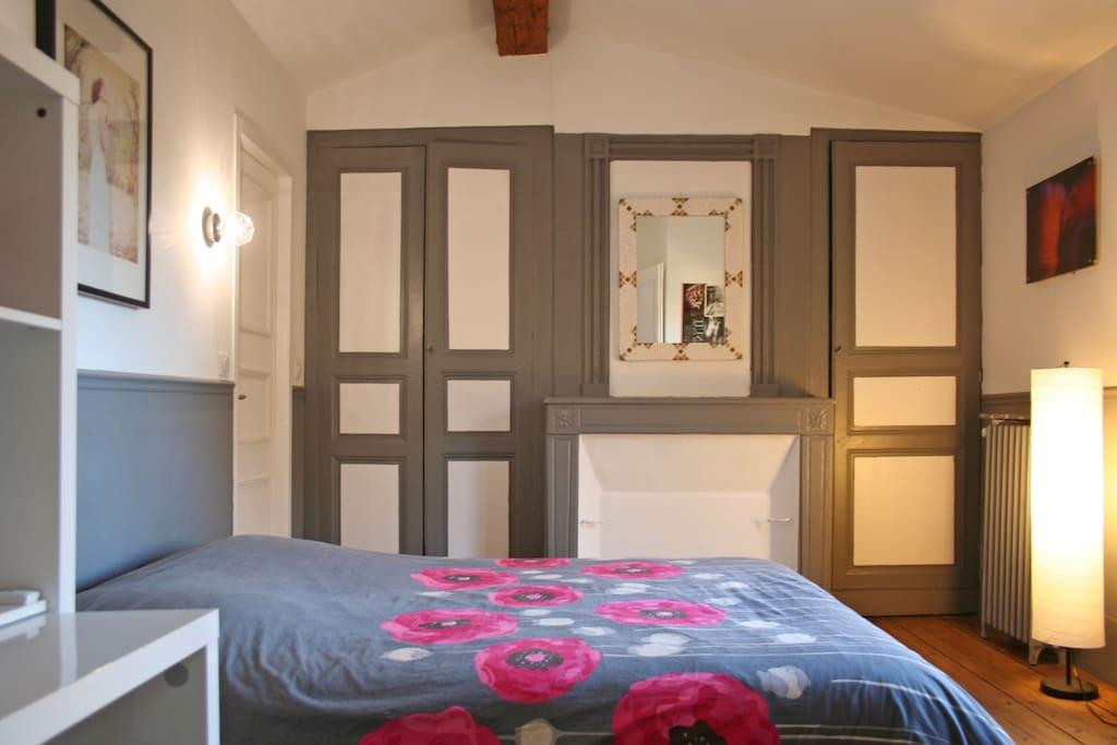 Chambre Double Au Coeur De Bordeaux Apartments For Rent