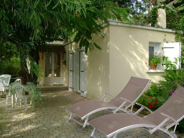 Appartement indépendant climatisé 3 km de Sartene - Sartène - Huis
