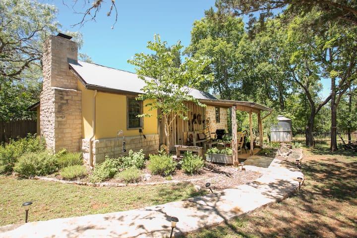 Wild Sage Barn | In-town Historic Retreat