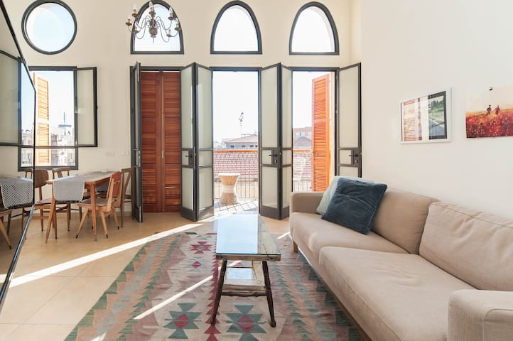 Designed 3BD Apartment in Historic Jaffa Area
