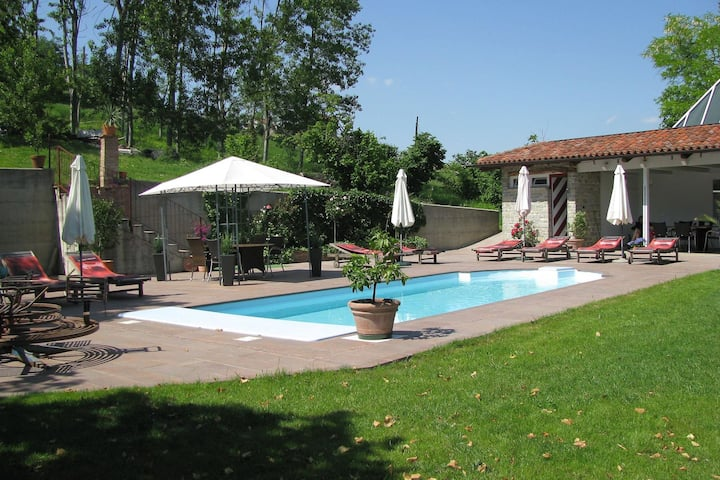 Sun-kissed Mansion in Bastia Mondovì with Garden