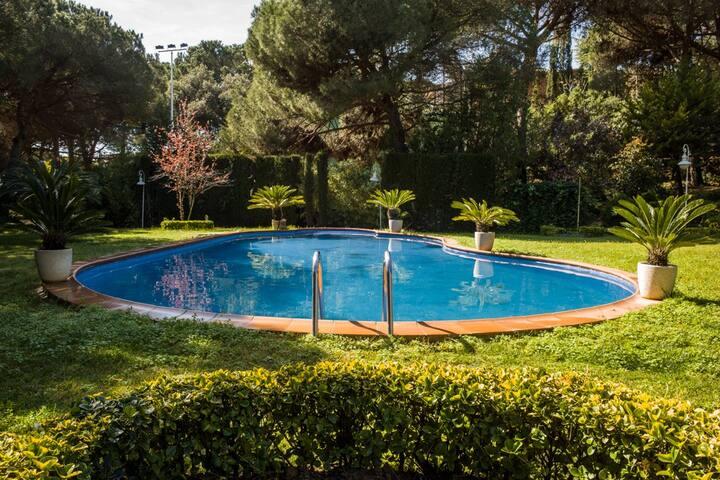 SMALL CUTE VILLA - Sant Andreu de Llavaneres - Hus