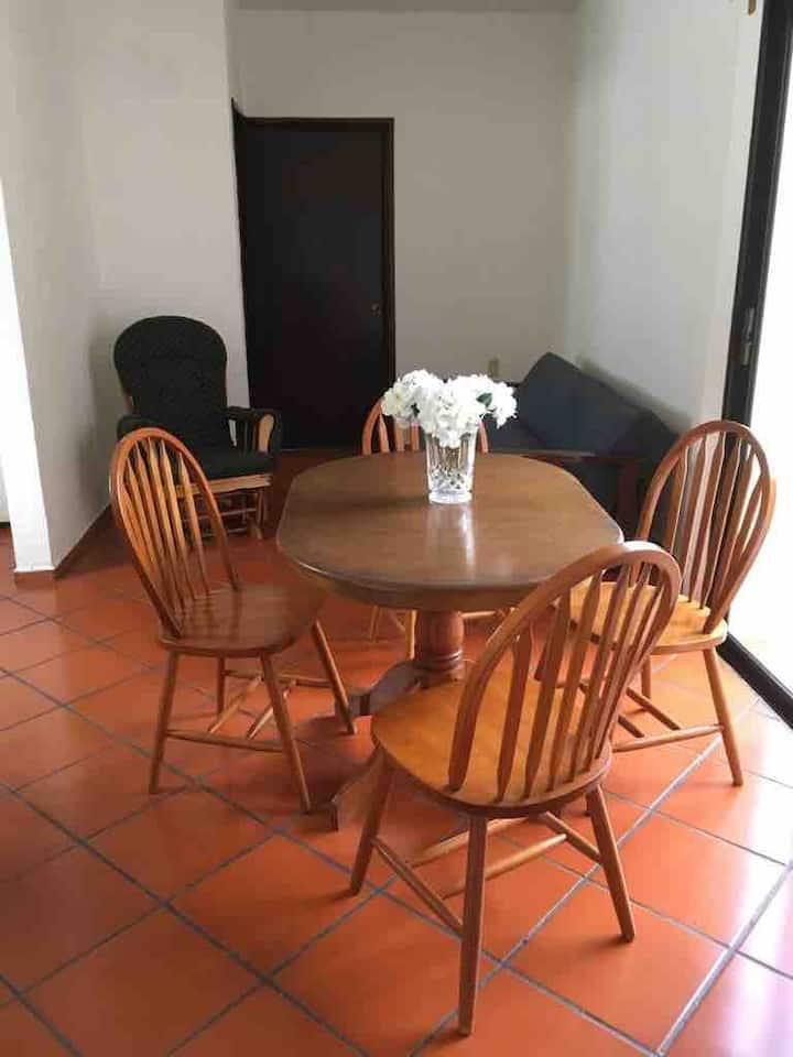 Apartment very well located, beach very close