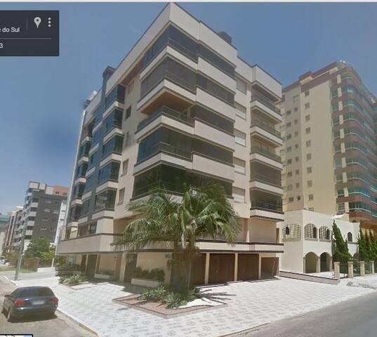 01 dormitório de frente - sacada de frente - Capão da Canoa - Apartament