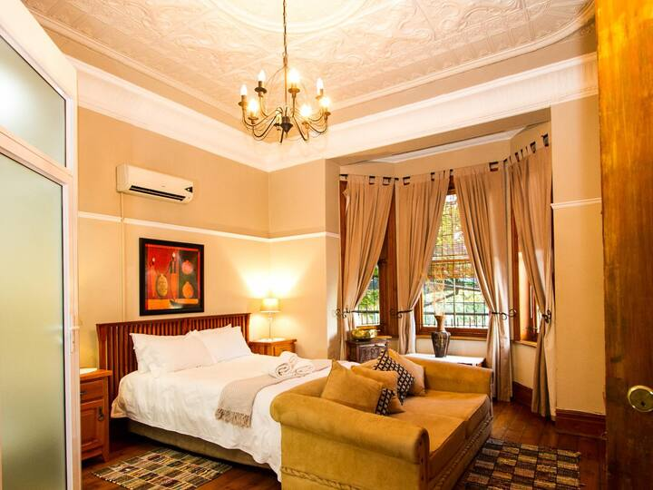 Double En-suite Rooms with Air-Con