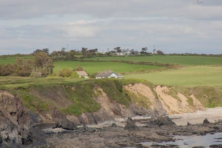 Torrie's House - cliff top retreat - Annestown