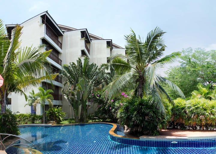 Superior Apartment 1 bedroom (43 sqm) by Jeed