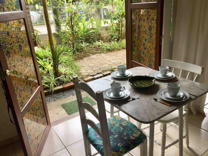 Mini Casa Mico Leão Dourado e Jardim