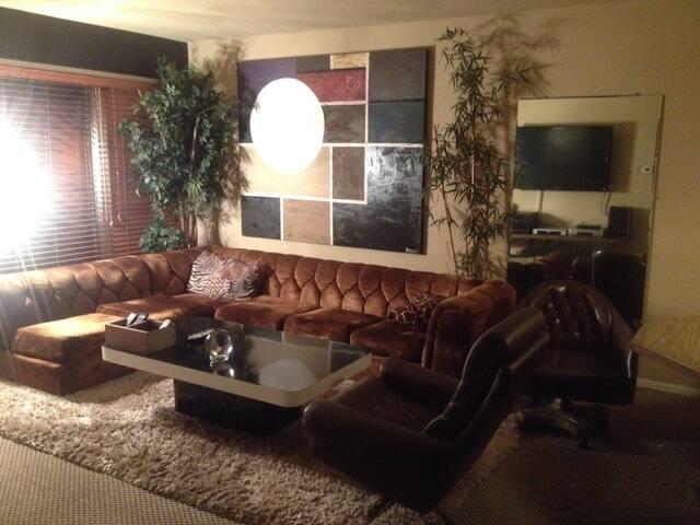 70's style condo - Master Bedroom & Bath