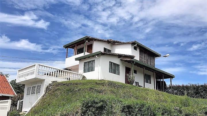 Cabaña El Roble en Guatapé, hermosa vista.