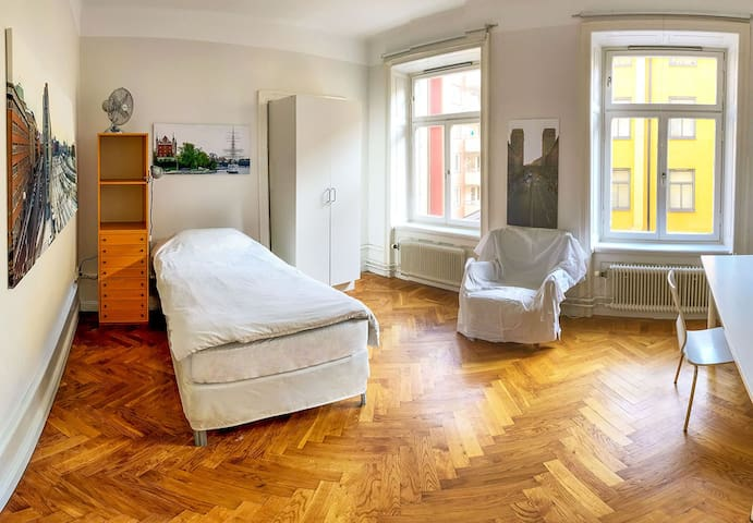 Bright, quiet, spacious, 5 min to Central Station - Sztokholm - Apartament