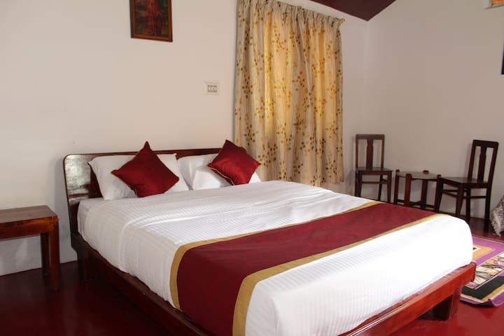 Guddadamane Homestay Cosy Room