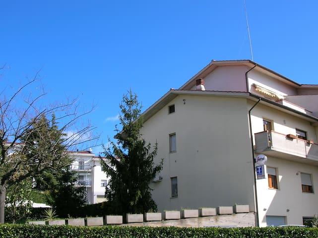 B&B GiLi camera Meno Castelfidardo (AN) - Castelfidardo - Condomínio